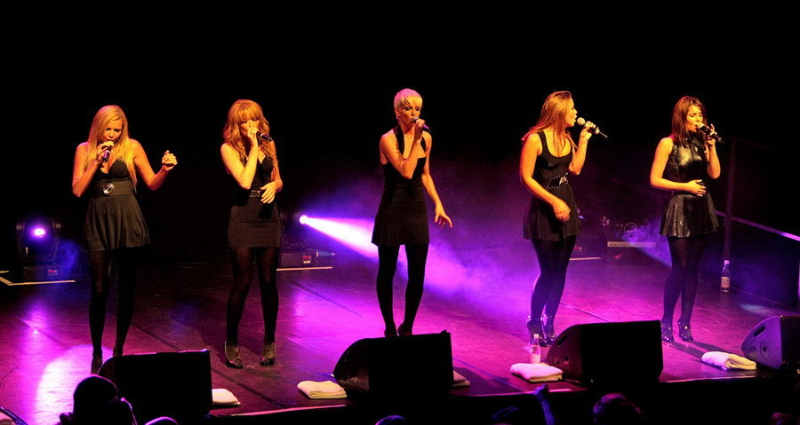 Girls Aloud on Stage at Italian Wedding